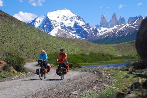 le vacanze in bicicletta attraverso le alpi sono rilassanti
